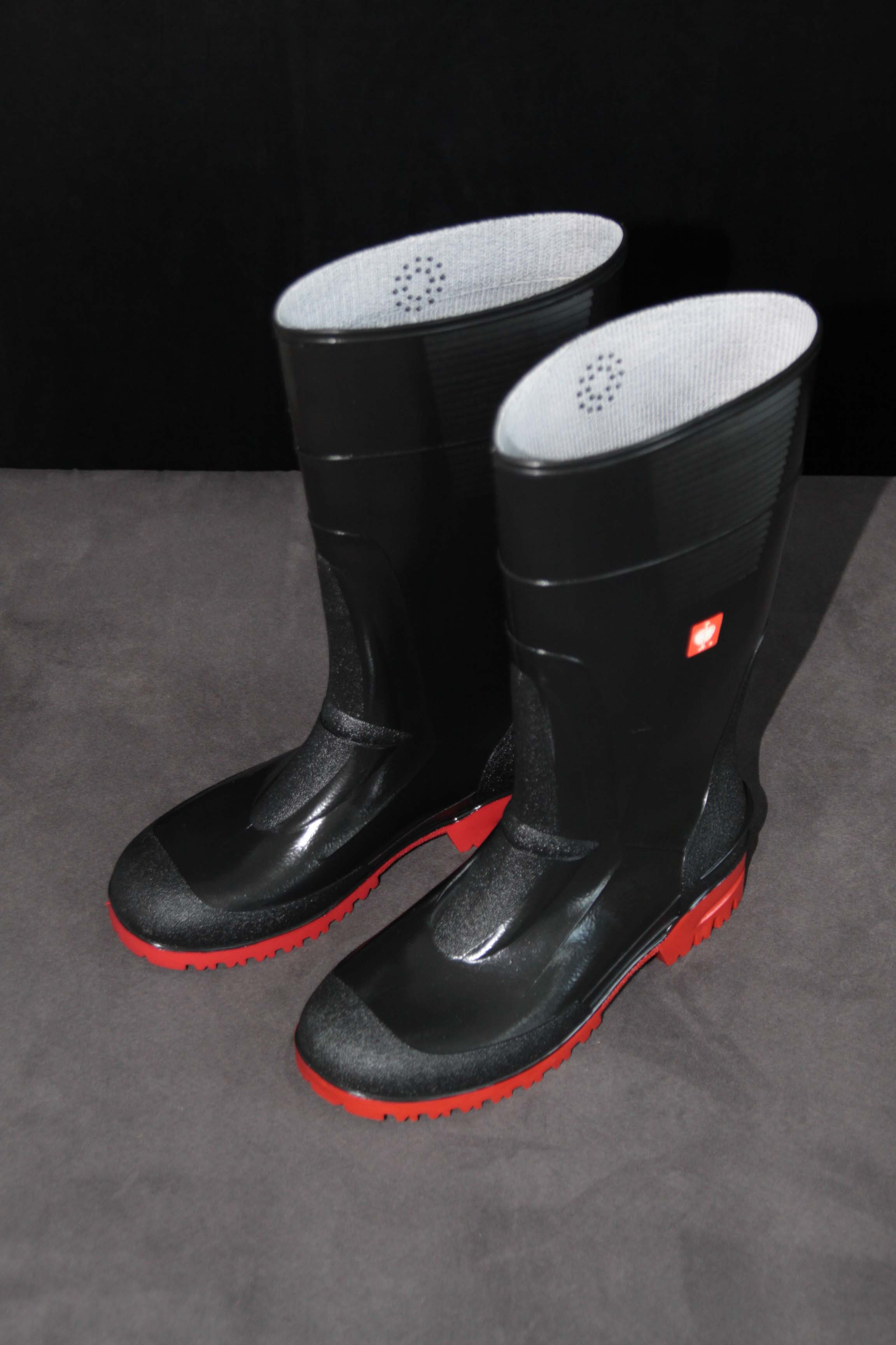 Rubber Boots – Black With Red Soles