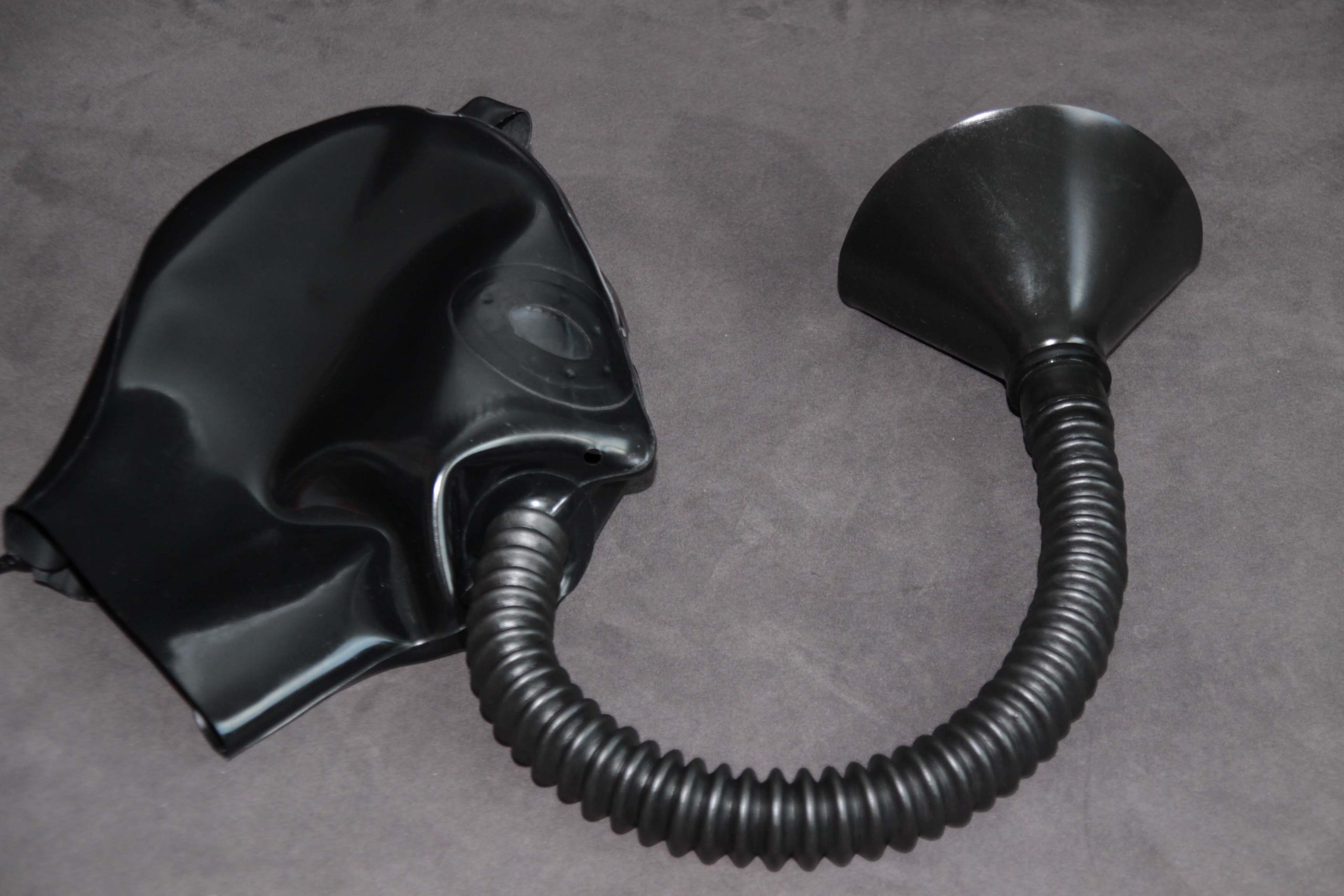 Rubber Hood With Funnel