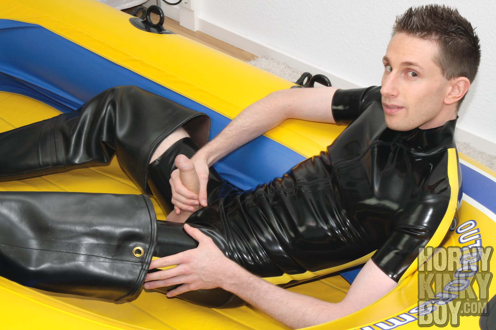 Fetish Photo Shooting In Rubber Shorty And Waders