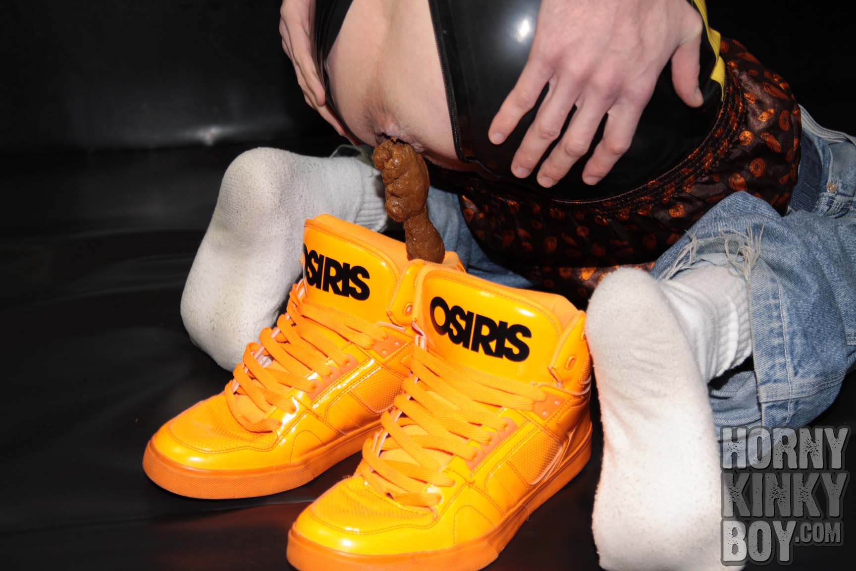 Piggish Rub Skater Lad Makes Poo Into Orange Skater Shoes