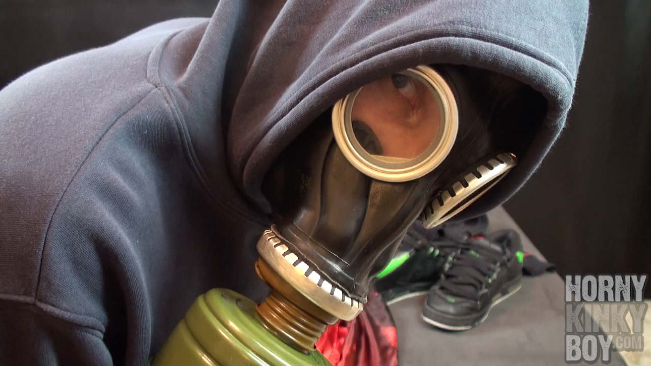 Skater Gear Wanking With A Heavy Cumshot Final (Part I)