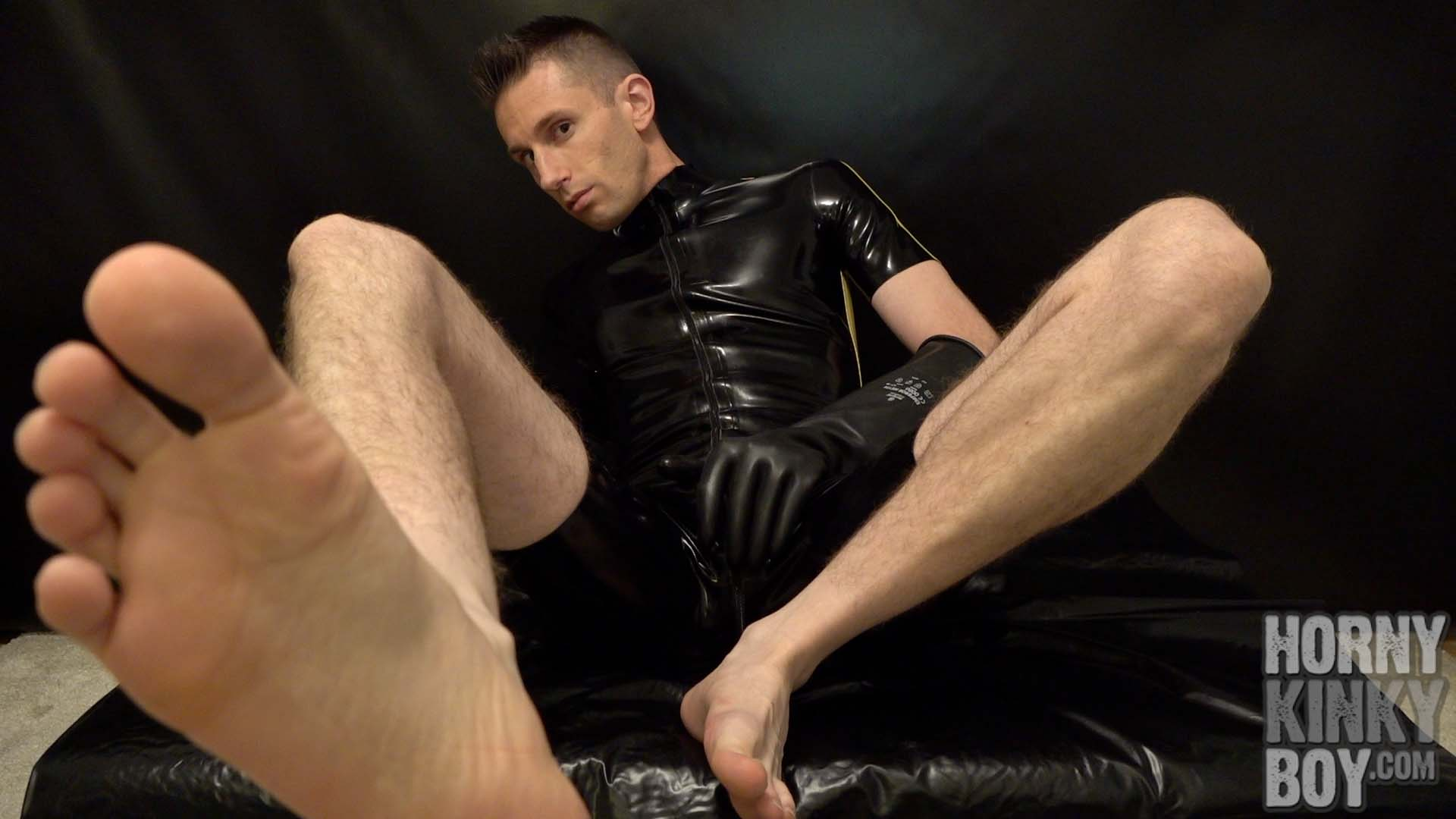 Rubber Slut Opens Up His Shit Hole Late At Night