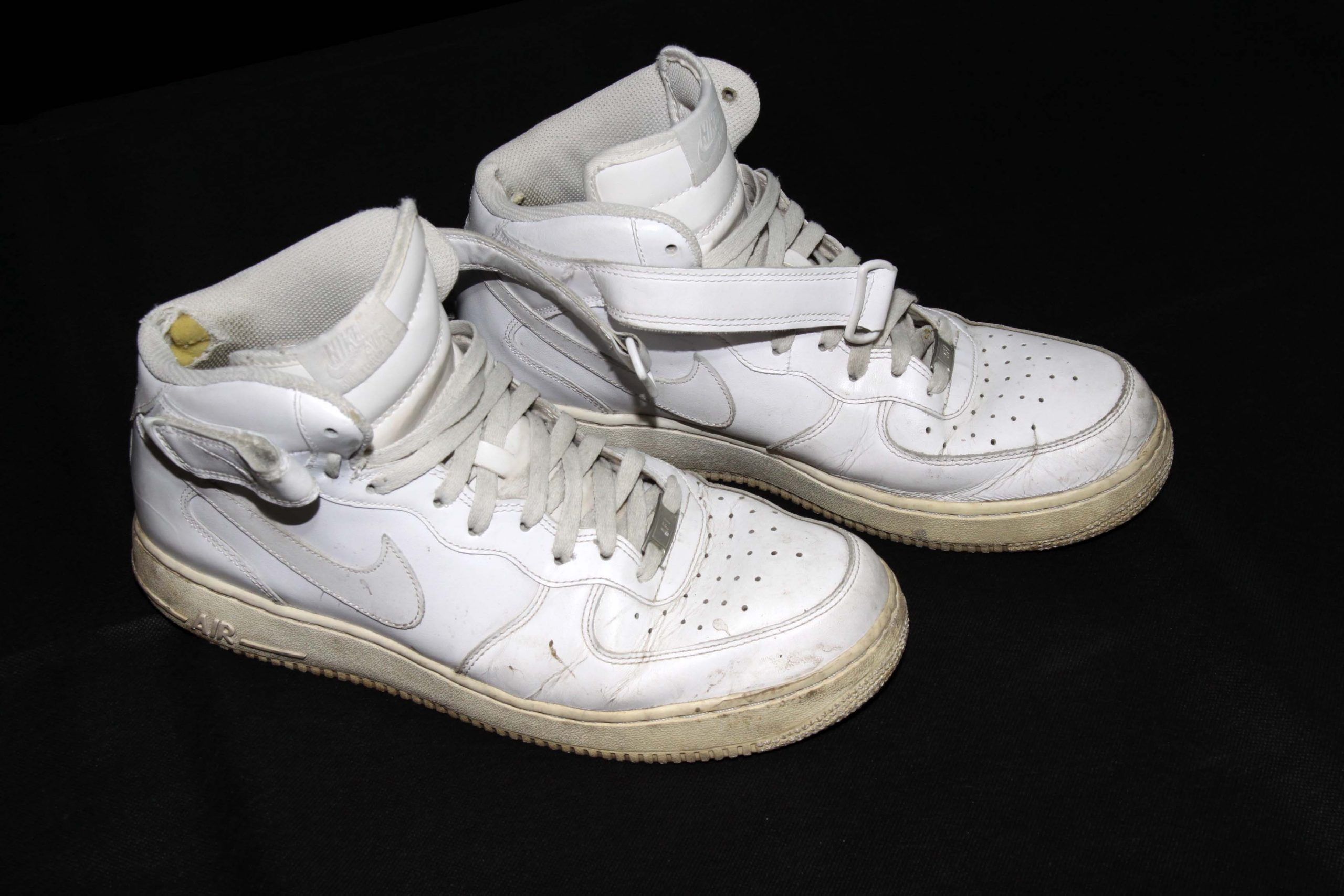 Nike Air Force One – White – Heavy Used Edition